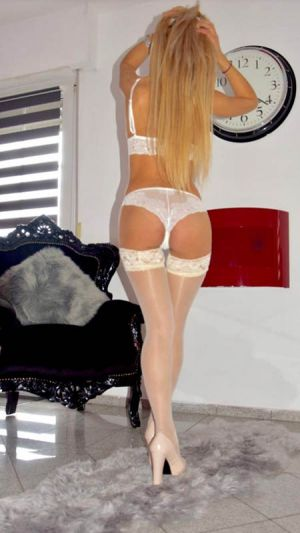 Nadia Escort in Athens